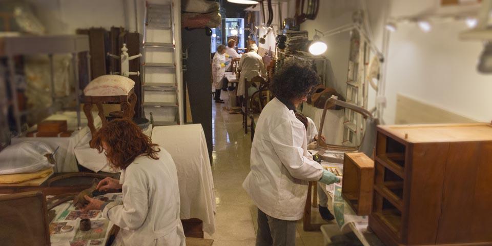 Cursos de restauración de muebles. Los alumnos son el alma de la escuela de restauración.